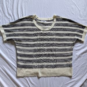 Like New - Maurices Short Sleeve Sweater